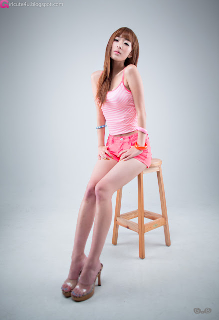 1 Minah - Hot in Hot Pink-very cute asian girl-girlcute4u.blogspot.com