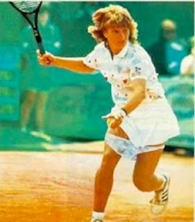 pemain-tenis-lucu