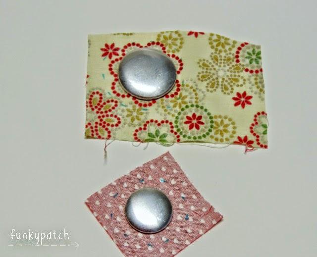 Tutorial para decorar un una corona de Navidad de porexpán con botones forrados y yo-yos