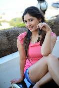 Prabhajeet Kaur Glamorous Photo shoot-thumbnail-39