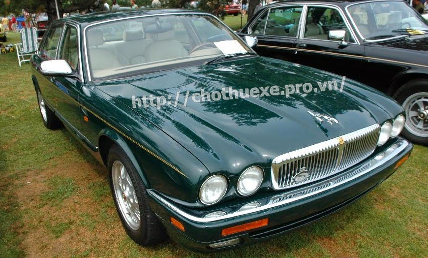 Cho thuê xe Jaguar XJ siêu sang