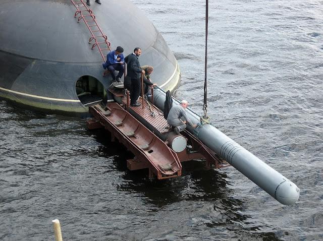 Mantan Kasal minta TNI AL pikir ulang beli kapal selam dari Rusia
