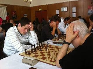 Echecs à Dieppe : Albert Frank (1920) 1/2 Fabien Guilleux (2388) © Chess & Strategy
