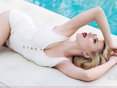 Scarlett Johansson Bikini Wallpaper