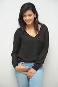Hebah Patel glam pics in black top-thumbnail-6