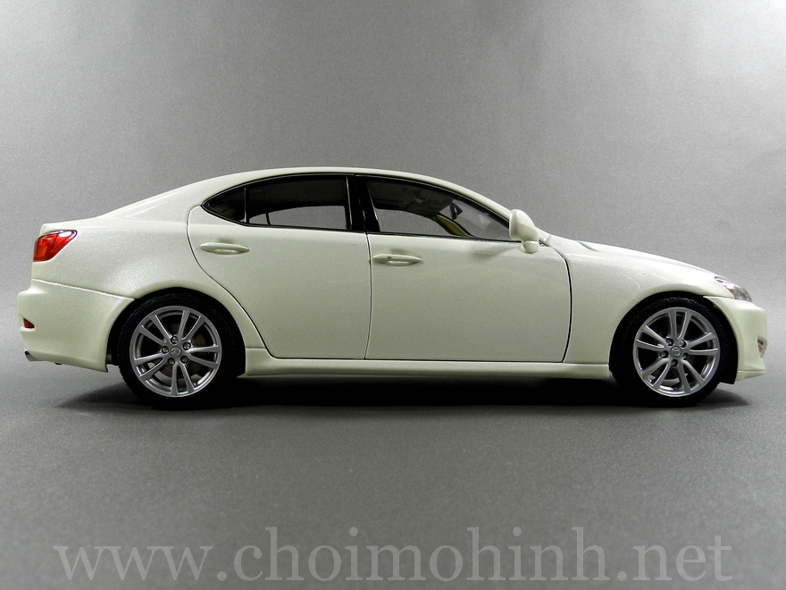 Lexus IS 350 2006 1:18 AUTOart white side