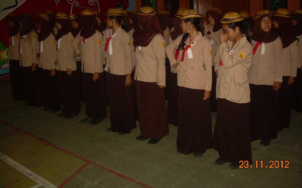 Pembinaan Sangga Kautaman (Saman) putri dilaksanakan setelah kegiatan rutin hari Jum'at selesai