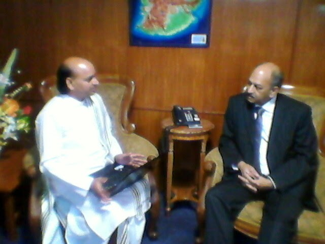Meeting with The Hon Devanand VIRAHSAWMY, GOSK, Minister of Environment in Mauritius