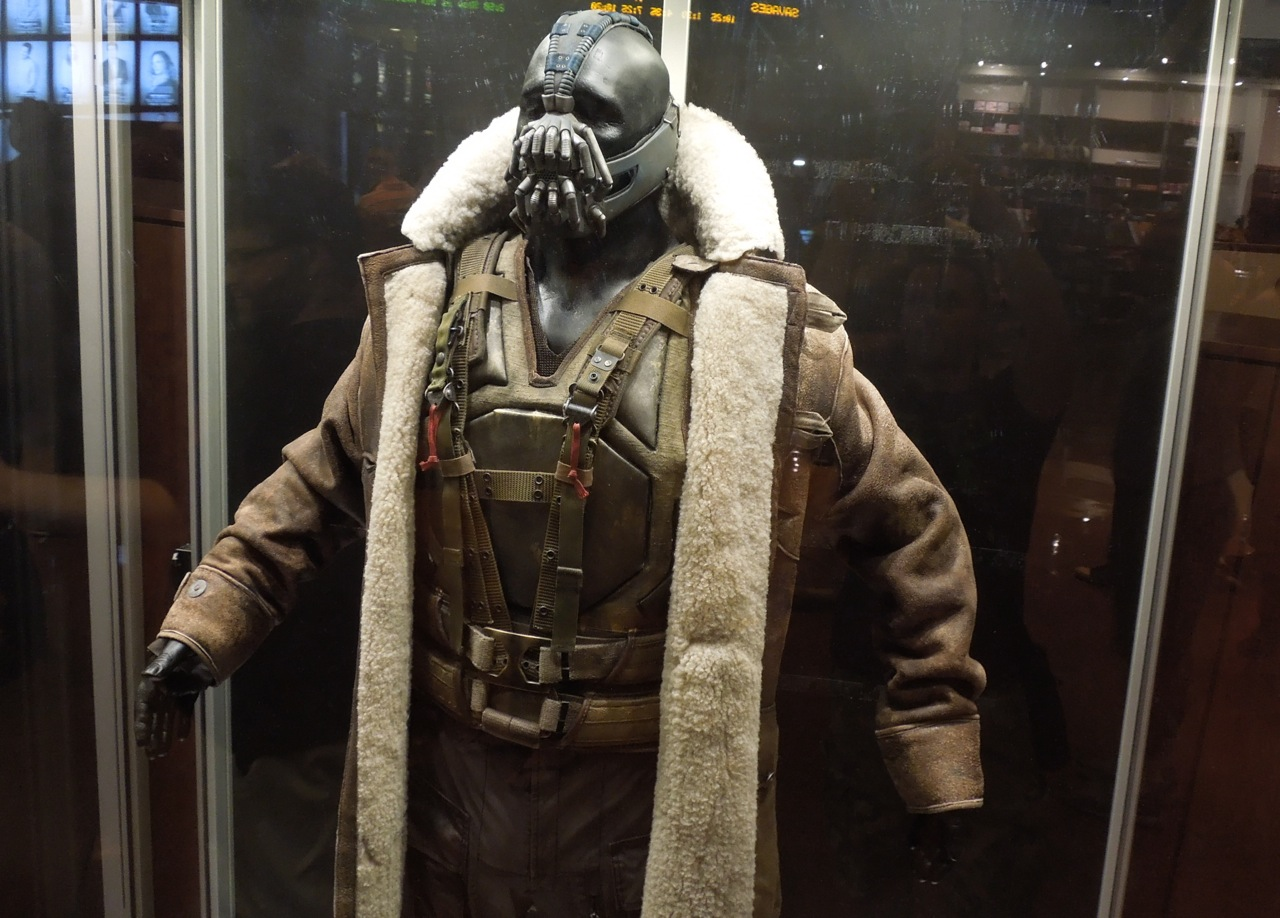 Hollywood Movie Costumes And Props Tom Hardy39s Bane & Bane Costume Dark Knight Rises - Meningrey