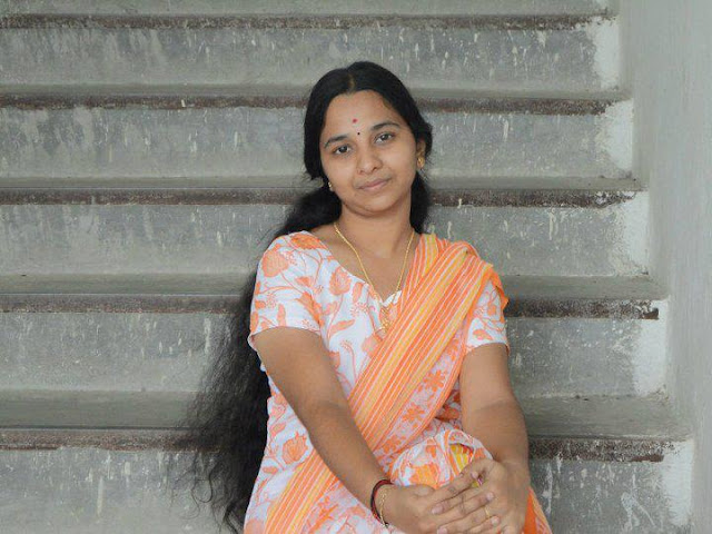 Kerala aunt tied up her loose long hair