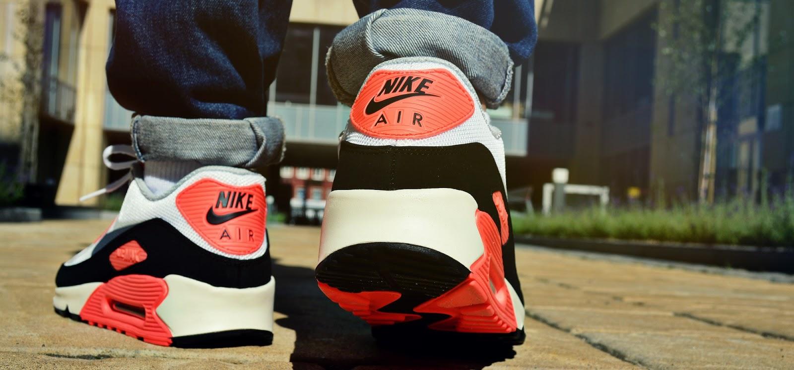 Nike Air Max 90 Premium Tape QS