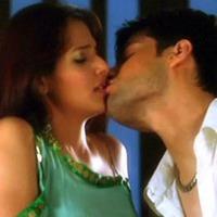 Kissing sexy scene