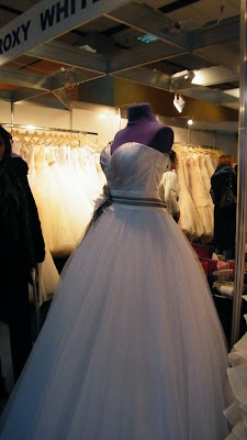 ideal mariaj, nunta, rochie de mireasa, printesa, silueta,targ