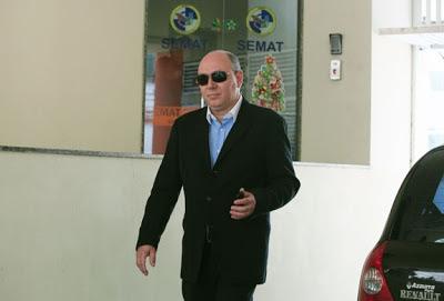 Adão Orlando Crespo Gonçalves - Um Asno