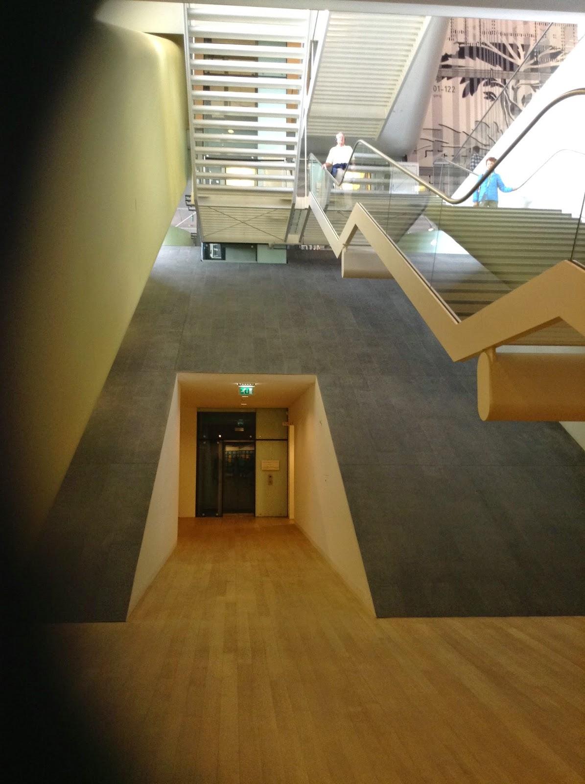 Studiebol: bezoekje stedelijk museum, 24.8.2014