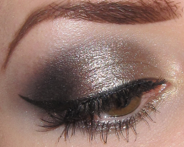 Glitter is my crack...: Gold, Champagne and Black Eye ...