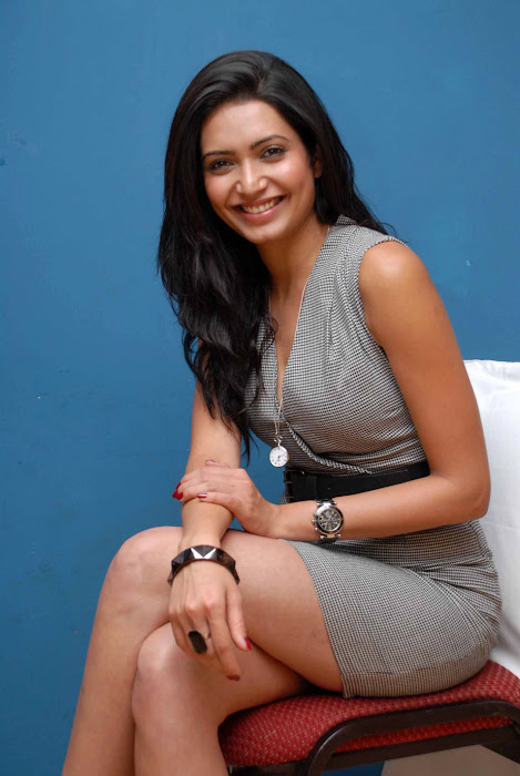 karishma tanna picture photo gallery