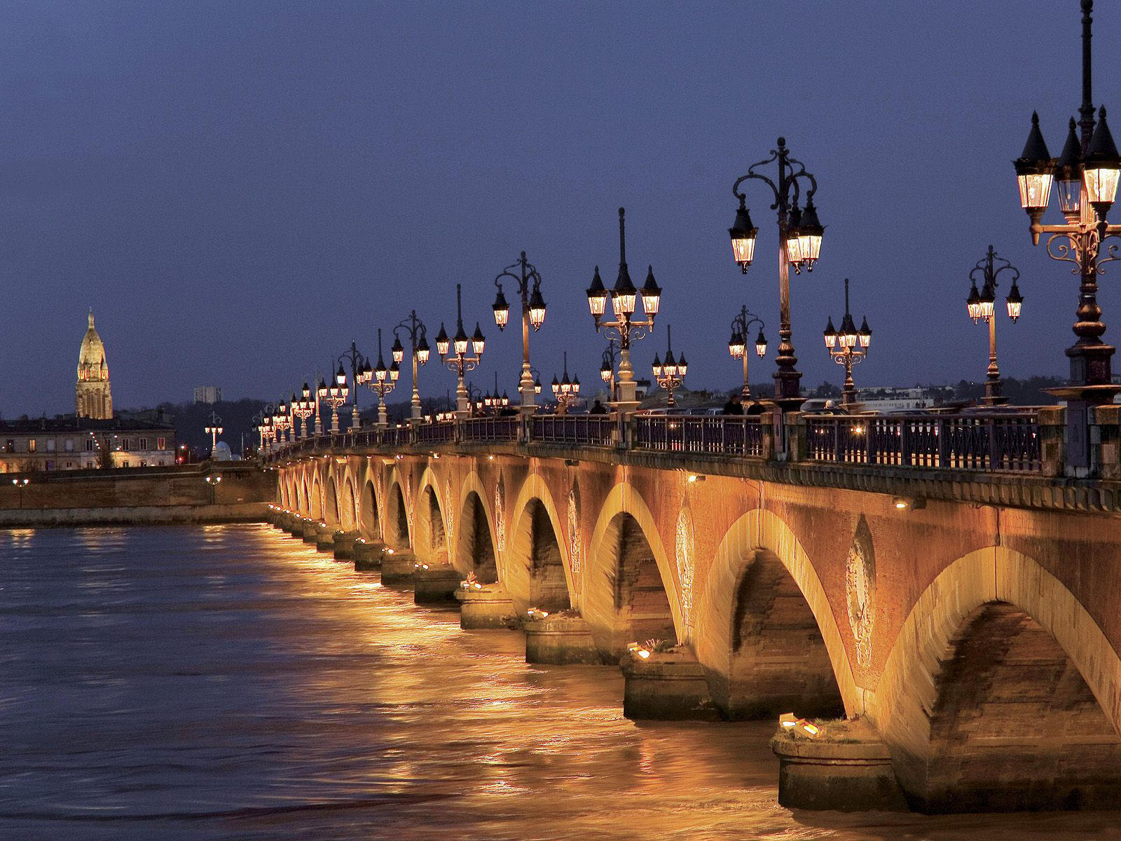 Cheme runner running in bordeaux - La plus belle piscine de france ...