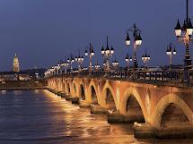 Cheme Runner Running In Bordeaux