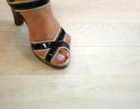 Weißeiche Laminatboden mit Heels