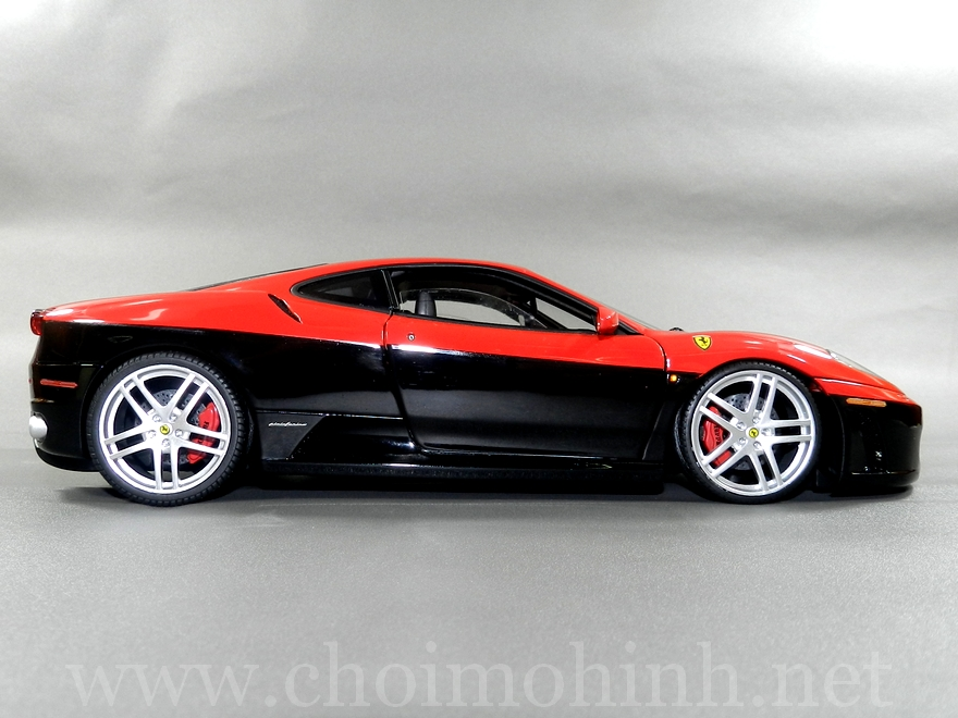 Ferrari F430 Red-Black 1:18 Hot Wheels Elite side