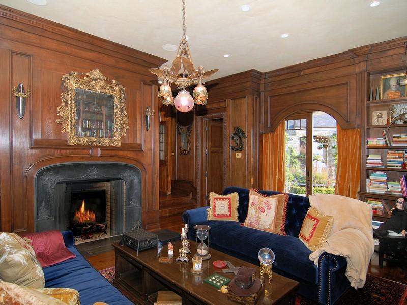 Old World, Gothic, and Victorian Interior Design: Victorian Gothic ...