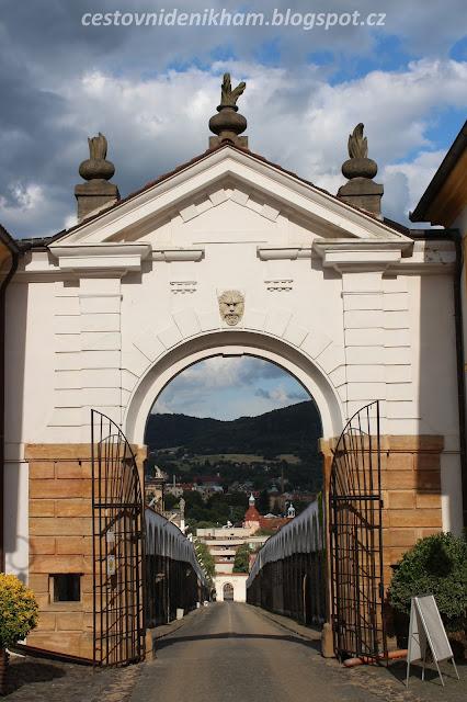 brána do děčínského zámku // gate to the Decin Castle
