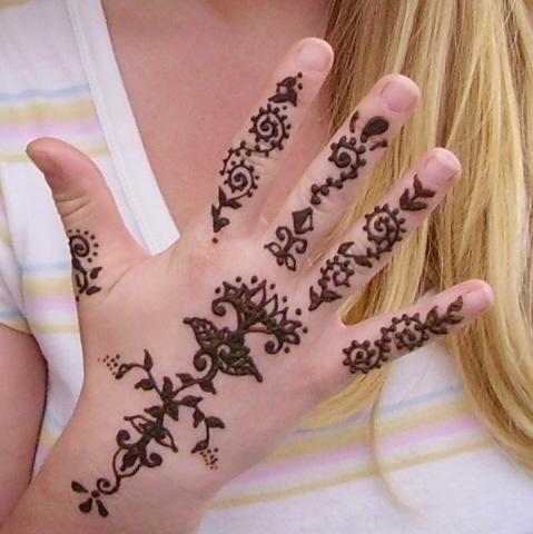 Henna Tatoos  on Henna Hand Tattoo Design Picture Gallery   Girls Henna Hand Tattoo