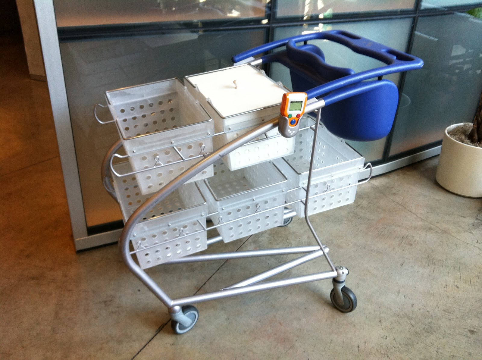 IDEO's redesign of the Shopping Cart | TAMAR SAMIR