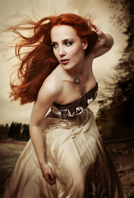 Epica,Simone Simons,white dress