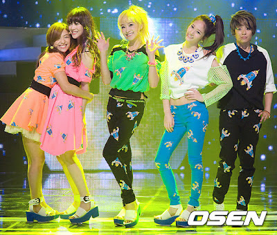 F(x) - Jet + Electric Shock : Comeback Stage ~ Roly Poly F(x) Electric Shock