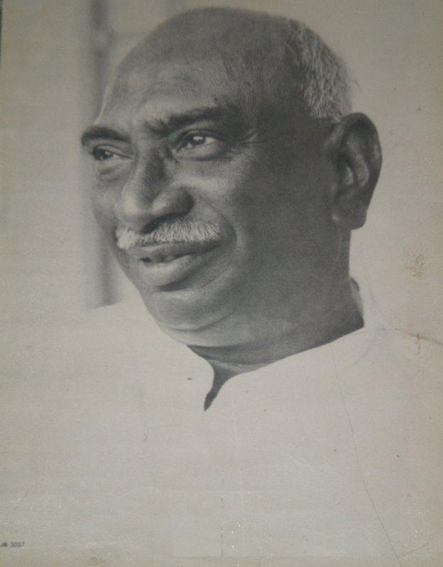 about kamarajar in tamil essay Kumaraswami kamaraj, better known as k kamaraj (15 july 1903 – 2 october 1975), was a kamaraj was the chief minister of tamil nadu during 1954–1963 and a member of parliament during 1952–1954 and 1967–1975 he was known.