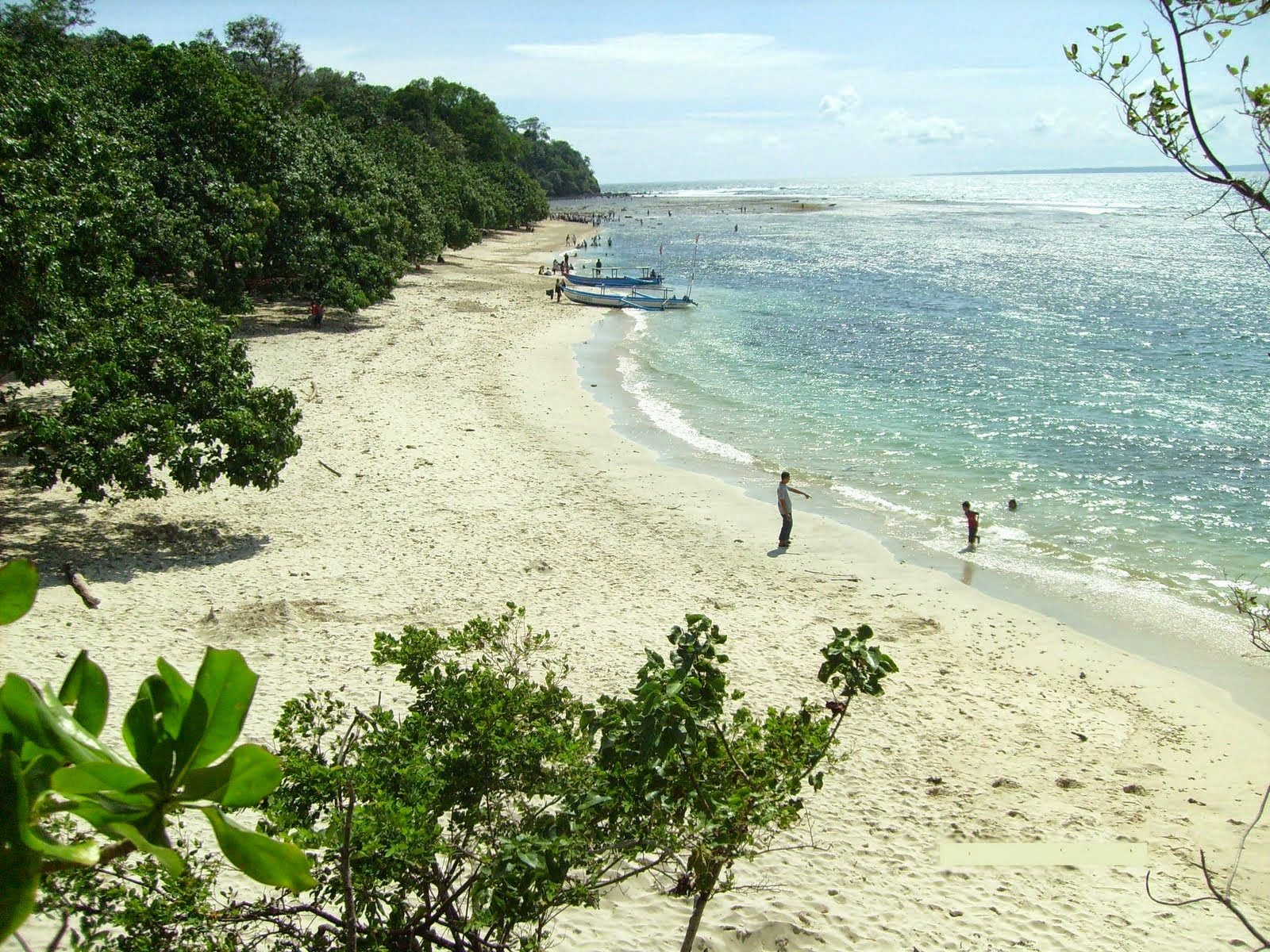 Pemandangan indah Pantai Pangandaran