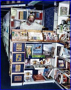 Renato Bordonali nella sua Libreria/Casa editrice