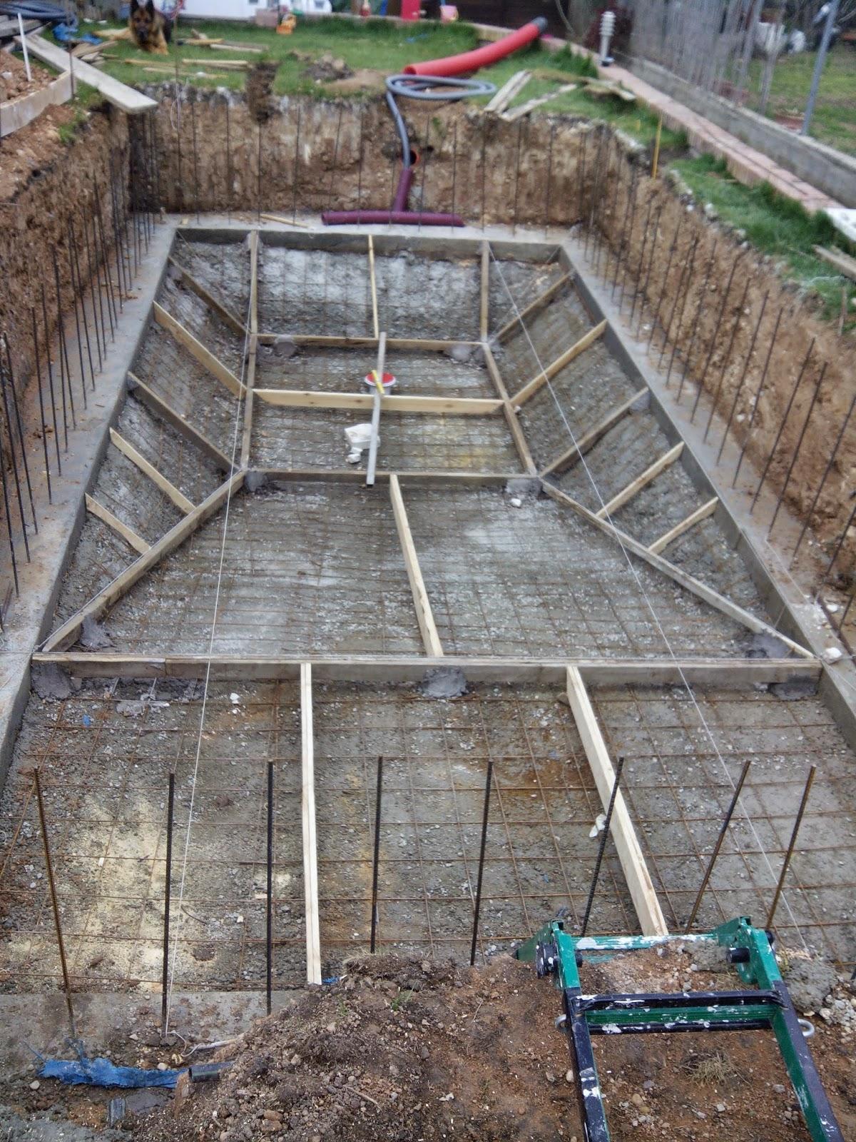 Bricopool el blog de los manitas como extender la for Construccion de piscinas de concreto