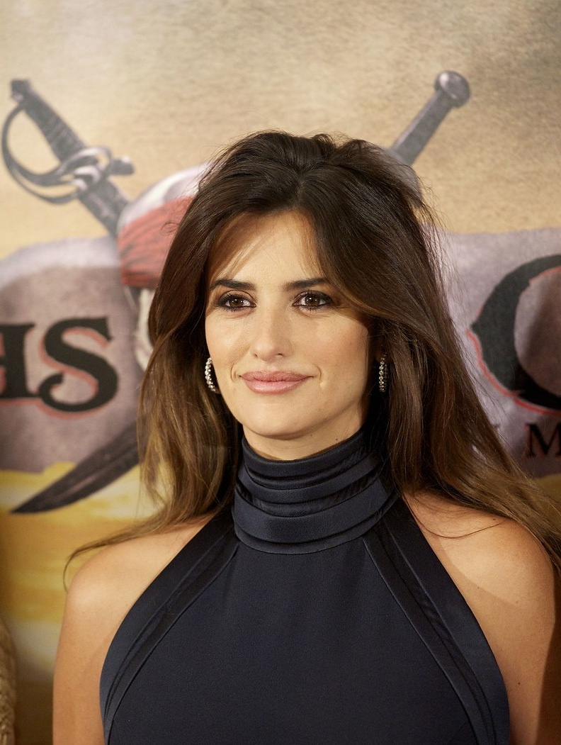 Penelope Cruz Hair, Long Hairstyle 2013, Hairstyle 2013, New Long Hairstyle 2013, Celebrity Long Romance Hairstyles 2118