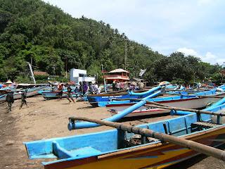 Liburan Ke Pantai Baron Beach wonosasri Yogyakarta