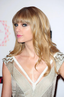 Taylor Swift face side pose 2013 Pictures
