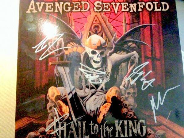 Avenged sevenfold news win an autographed vinyl of quot hail to the king quot