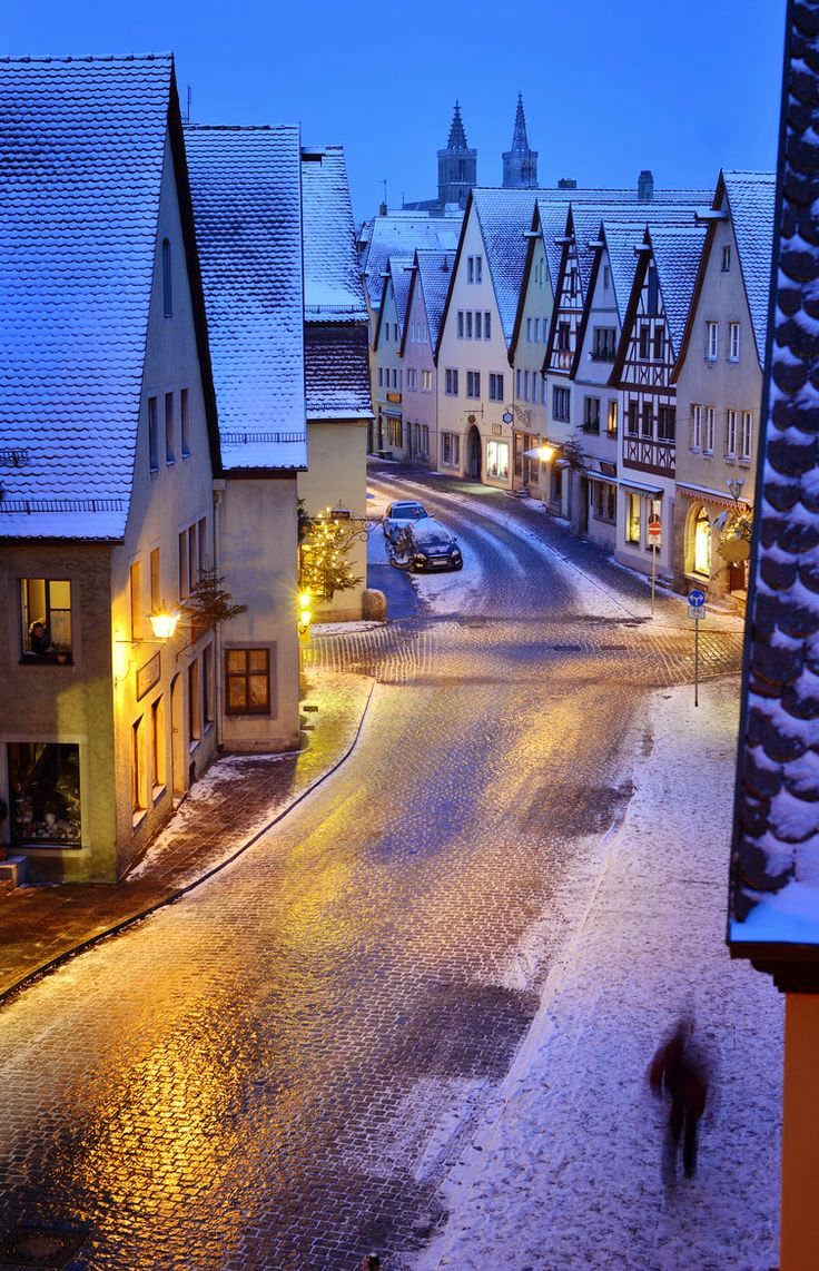 Snowy-Night-Rothenburg-Germany