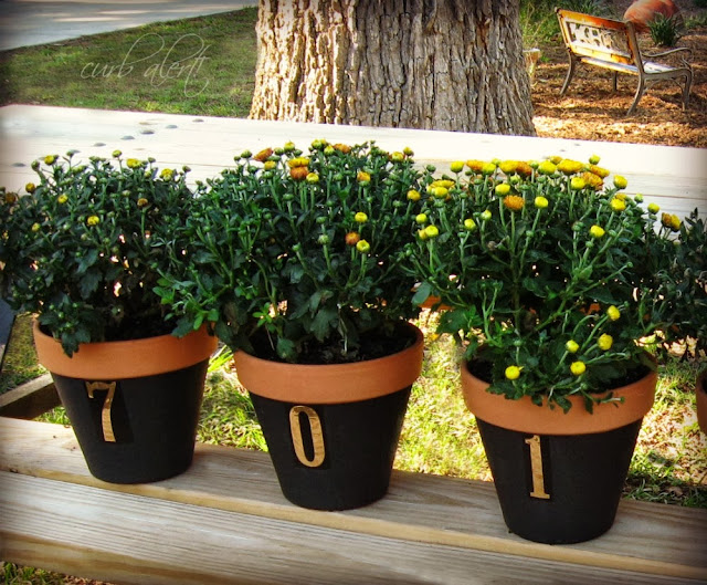 Curb Alert! Home Address Flower Pots via http://tamicurbalert.blogspot.com
