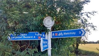 Signpost on the Grand Union Canal