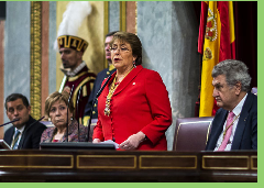 "Bachelet acusa campaña comunicacional pagada ""para infundir temor"" contra la Reforma Educacional"