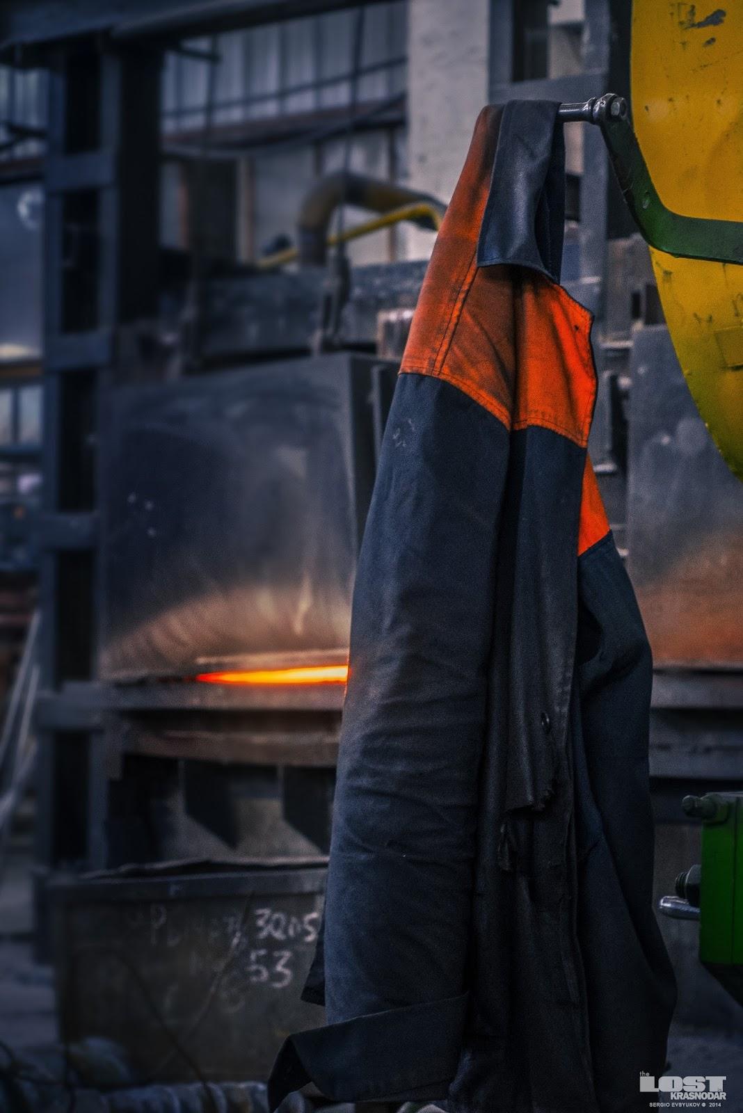 Спецовка работников завода