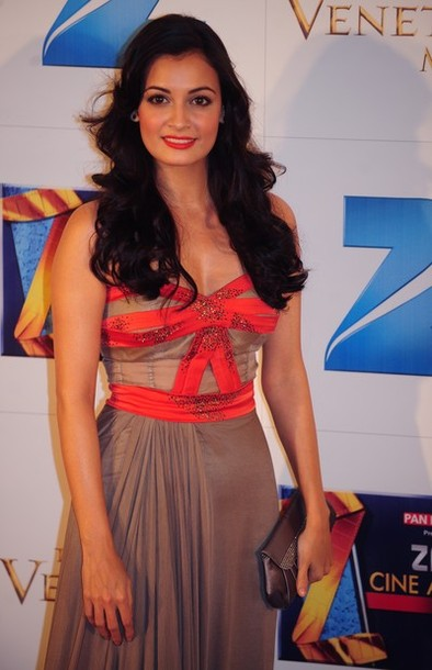 Indian Actress Dia Mirza At Zee Cine Awards Photos Stills wallpapers