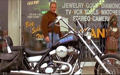 'Pulp Fiction' (1994)  Moto: Harley-Davidson FXR Super  Ator: Bruce Willis