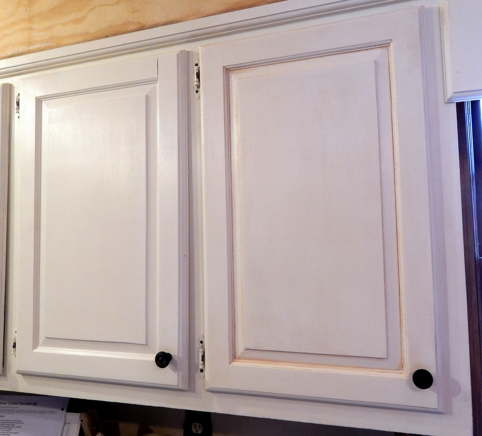 The Bluestocking Belle: Waxing and Glazing the Kitchen Cabinets
