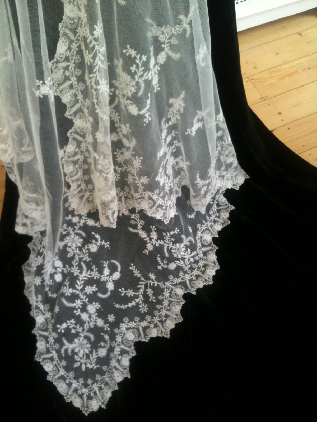 Vintage Lace Veils 103
