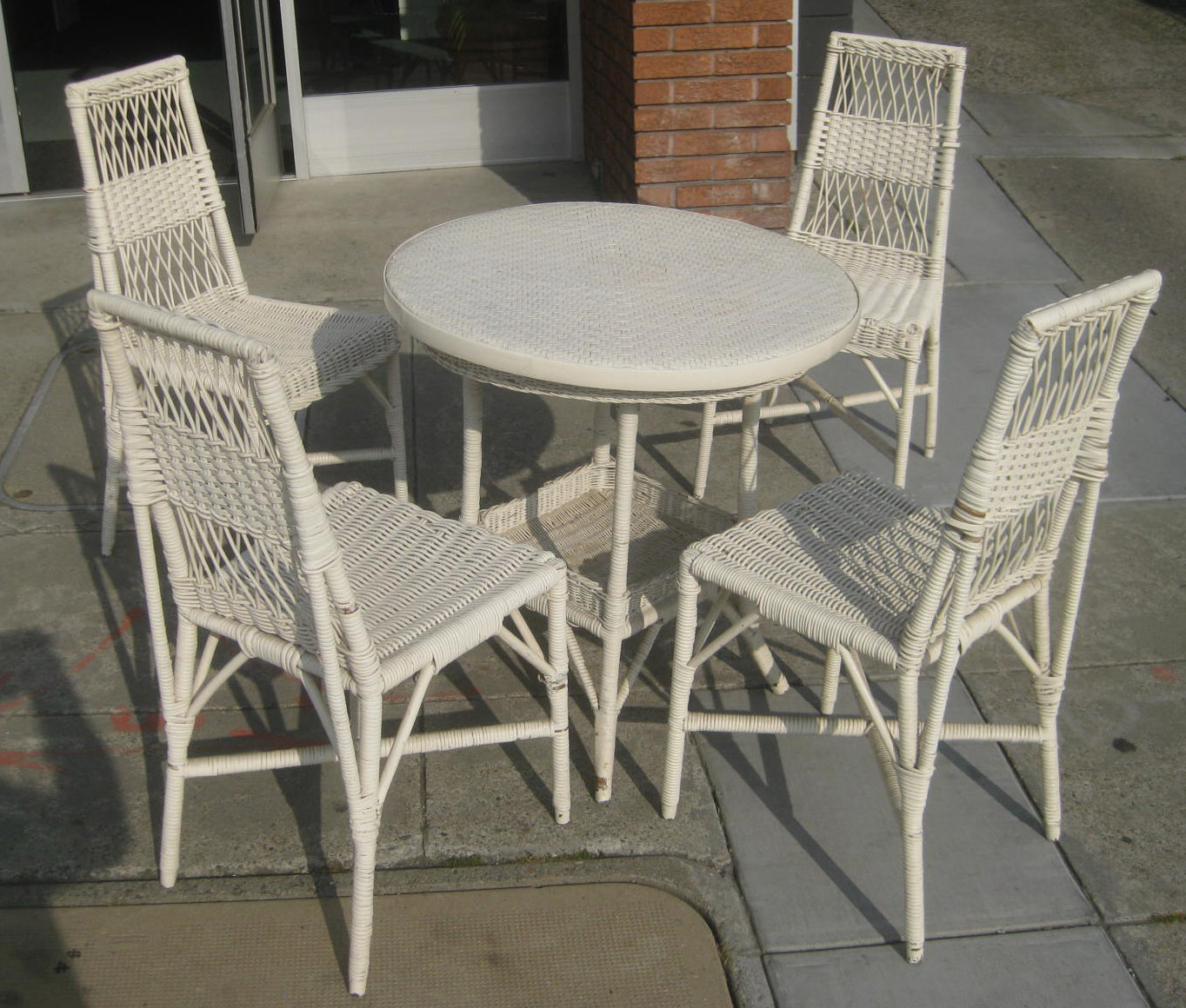 UHURU FURNITURE & COLLECTIBLES SOLD White Wicker Patio Set $130