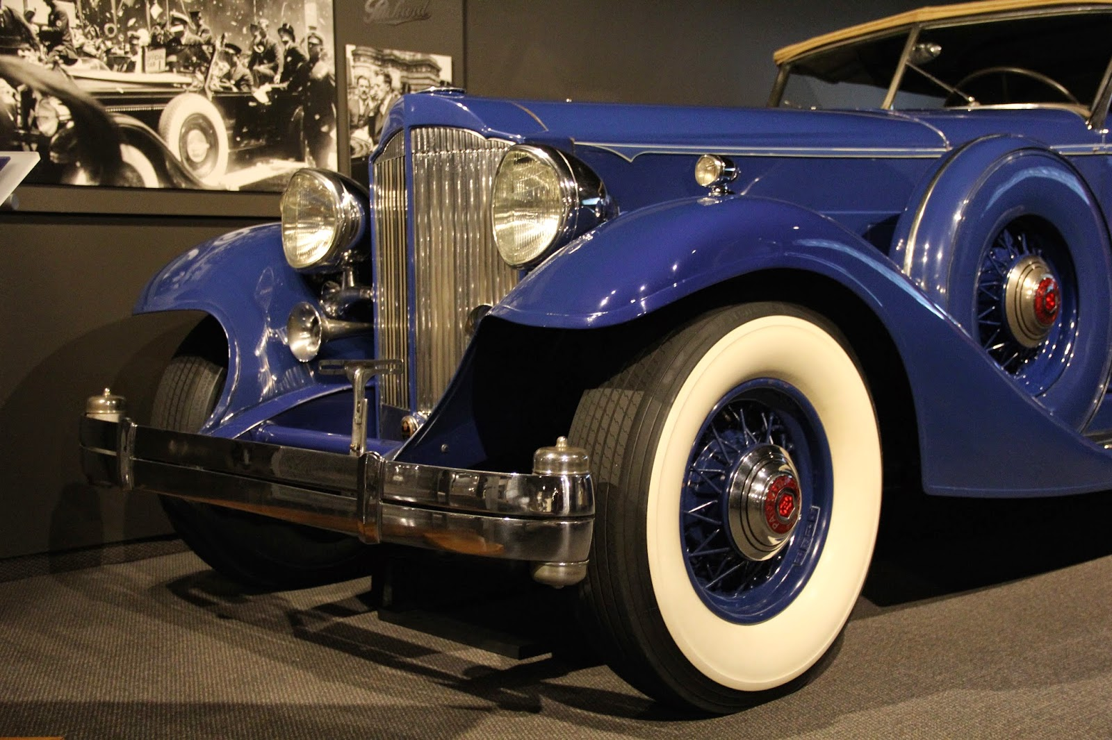 Naples and Hartford in Season: Classic Cars